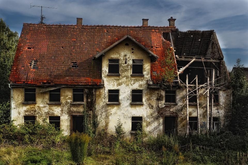 Verborgen gebrek bij een gerenoveerde woning: wie moet dat betalen?